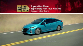 Toyota TV Spot, 'Fully Loaded' [T2] - Thumbnail 4