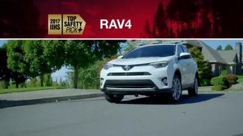Toyota TV Spot, 'Fully Loaded' [T2] - Thumbnail 6