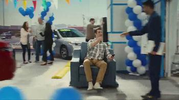 Kelley Blue Book TV Spot, 'Instant Cash Offer' - Thumbnail 7