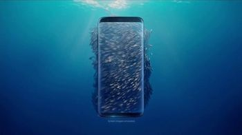 Samsung Galaxy S8 TV Spot, 'Unbox Your Phone: Fish' - Thumbnail 2