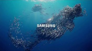 Samsung Galaxy S8 TV Spot, 'Unbox Your Phone: Fish' - Thumbnail 5