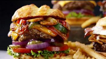 Denny's 100% Beef Burgers TV Spot, 'Sabrosos' [Spanish] - Thumbnail 2