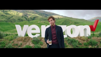 Verizon Unlimited TV Spot, 'Roadside Rescue' Featuring Thomas Middleditch - Thumbnail 4