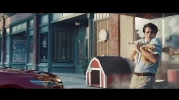 2017 Toyota Camry TV Spot, 'Héroe de mascotas' [Spanish] [T1] - Thumbnail 3