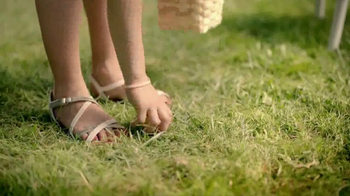 JCPenney The Easter Sale TV Spot, 'Floral Tops and Waffle Makers' - Thumbnail 3
