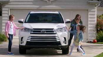 2017 Toyota Highlander TV Spot, 'Family Safety' [T2] - 4 commercial airings