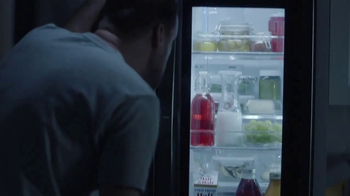 LG InstaView Door-in-Door Refrigerator TV Spot, 'Midnight Snack' - Thumbnail 6