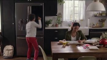 LG InstaView Door-in-Door Refrigerator TV Spot, 'Knock Knock' - Thumbnail 1