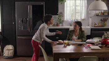 LG InstaView Door-in-Door Refrigerator TV Spot, 'Knock Knock'