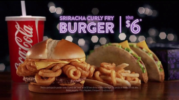 Jack in the Box Sriracha Curly Fry Burger TV Spot, 'Basement' [Spanish] - Thumbnail 9