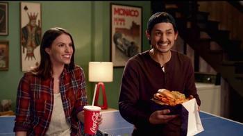 Jack in the Box Sriracha Curly Fry Burger TV Spot, 'Basement' [Spanish] - Thumbnail 6