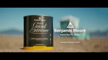 Benjamin Moore Aura Grand Entrance TV Spot, 'This Bright' - Thumbnail 10