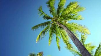 Vita Coco TV Spot, 'The Vita Coco Plant Manager' Featuring Chrissy Teigen - Thumbnail 4