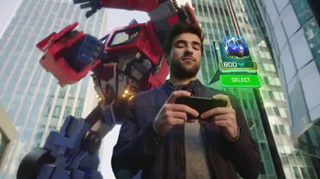 TRANSFORMERS: Forged to Fight TV Spot, 'Street Battle' - Thumbnail 5