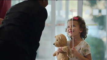 Holiday Inn TV Spot, 'Smiles Ahead' - Thumbnail 7