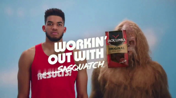 Jack Link's Beef Jerky TV Spot, 'SasquatchWorkout: Kat's Calves' - Thumbnail 1