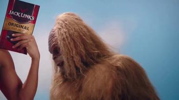 Jack Link's Beef Jerky TV Spot, 'SasquatchWorkout: Kat's Calves' - Thumbnail 6