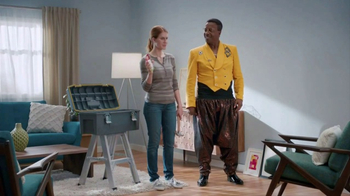 Command Picture Hanging Strips TV Spot, 'Hammer's Toolbox' Feat. MC Hammer - Thumbnail 10