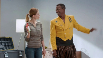 Command Picture Hanging Strips TV Spot, 'Hammer's Toolbox' Feat. MC Hammer - Thumbnail 8