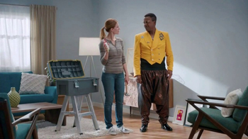 Command Picture Hanging Strips TV Spot, 'Hammer's Toolbox' Feat. MC Hammer - Thumbnail 9
