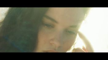 Apple Music TV Spot, 'Sabrina Claudio: Belong to You' - Thumbnail 4