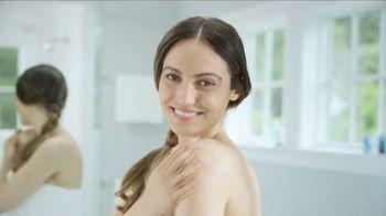 Aquaphor Advanced Ointment Body Spray TV Spot, 'Dry Skin Relief'