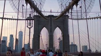 Airbnb TV Spot, 'Experience NYC With Locals' - Thumbnail 7