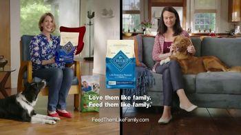 Blue Buffalo Life Protection Formula TV Spot, 'Blue Buffalo vs. Dog Chow' - Thumbnail 9