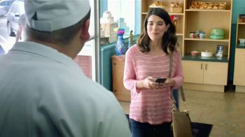 MetroPCS Unlimited LTE Data TV Spot, 'Cake' [Spanish] - Thumbnail 1