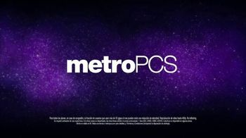 MetroPCS Unlimited LTE Data TV Spot, 'Cake' [Spanish] - Thumbnail 8