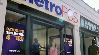 MetroPCS Unlimited LTE Data TV Spot, 'Cake' [Spanish] - Thumbnail 6