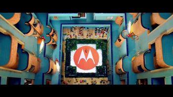 Motorola Moto Z Droid TV Spot, 'Different Is Better: Free Projector Mod' - Thumbnail 8