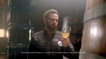 Angry Orchard Crisp Apple TV Spot, 'Angry Apples' - Thumbnail 6