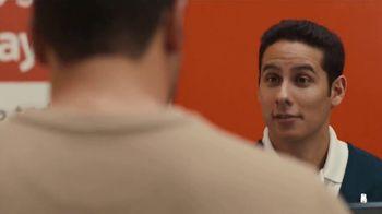 Walmart TV Spot, 'Lo que tú necesitas' canción de Aleks Syntek [Spanish] - Thumbnail 6