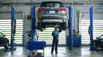 Honda Service TV Spot, 'Pompous Albert Visits a Honda Service Center' [T1] - Thumbnail 7