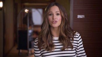 Capital One Venture TV Spot, 'Hotels.com: Ice Bucket' Feat. Jennifer Garner - Thumbnail 2