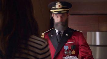 Capital One Venture TV Spot, 'Hotels.com: Ice Bucket' Feat. Jennifer Garner - Thumbnail 4