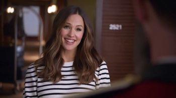 Capital One Venture TV Spot, 'Hotels.com: Ice Bucket' Feat. Jennifer Garner - Thumbnail 5