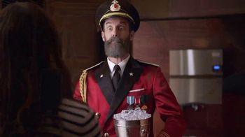 Capital One Venture TV Spot, 'Hotels.com: Ice Bucket' Feat. Jennifer Garner - Thumbnail 6