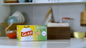 Glad OdorShield TV Spot, 'La guardiana del secreto' [Spanish] - Thumbnail 8