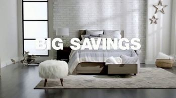 Macy's Presidents Day Sale TV Spot, 'Radley and Queen Mattresses' - Thumbnail 3