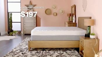 Macy's Presidents Day Sale TV Spot, 'Radley and Queen Mattresses' - Thumbnail 8