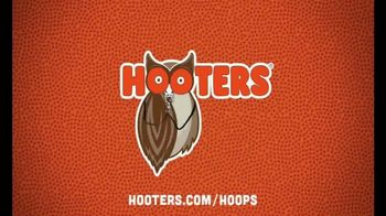Hooters Smoked Wings TV Spot, 'All Your Buddies' - Thumbnail 7