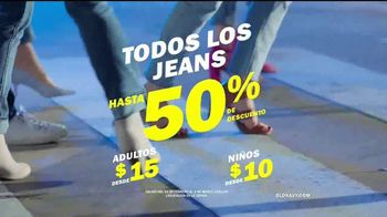 Old Navy Jeans TV Spot, 'Dile hola a los nuevos jeans' [Spanish] - Thumbnail 8