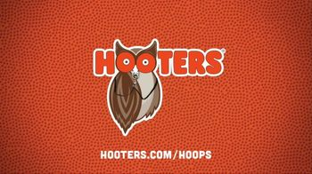 Hooters Smoked Wings TV Spot, 'Up in Smoke' - Thumbnail 8