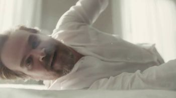 Tide TV Spot, 'It's a Tide Ad, on a Mattress' Featuring David Harbour - Thumbnail 4
