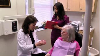 Mini Dental Implant Centers of America TV Spot, 'Dr. Sandra Low' - Thumbnail 3