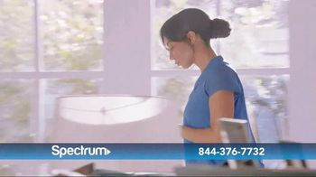 Spectrum Internet, TV and Voice TV Spot, 'Keeping Up With the Harrisons' - Thumbnail 6