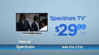 Spectrum Internet, TV and Voice TV Spot, 'Keeping Up With the Harrisons' - Thumbnail 7
