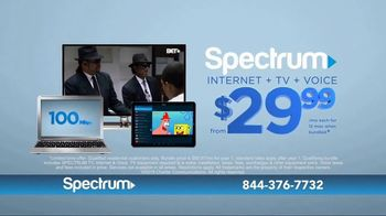 Spectrum Internet, TV and Voice TV Spot, 'Keeping Up With the Harrisons' - Thumbnail 9